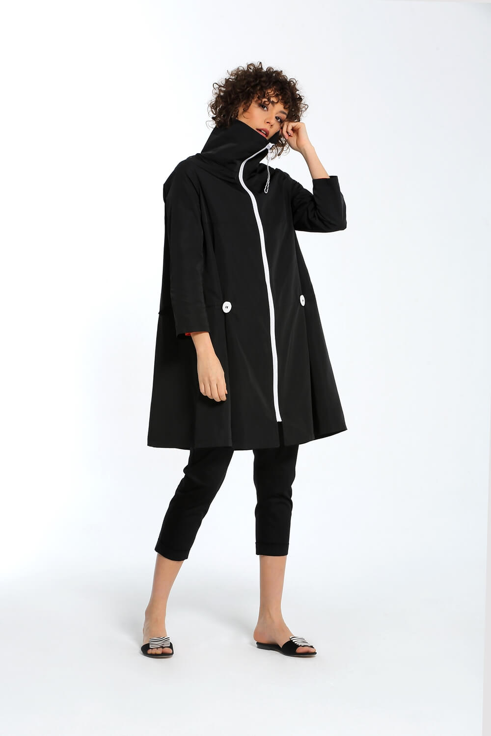 Button Detailed Trench Coat - Black